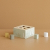 Kép 3/6 - Little Dutch fa formabedobó kocka - olívazöld