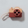 Kép 1/3 - Petit Monkey fa játék fényképezőgép  barna