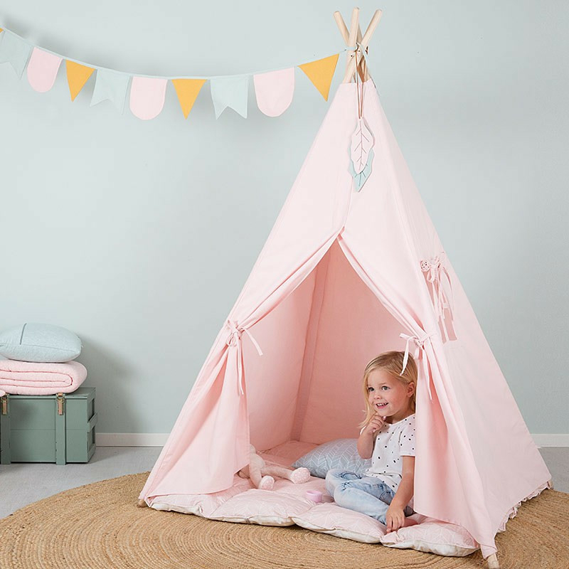 Little Dutch indián sátor szőnyeggel és zászlókkal -rózsaszín
